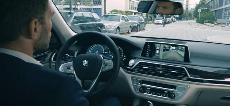 Remek videó az önvezető autók evolúciós szintjeiről