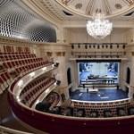 Elárasztotta a víz a berlini operaház színpadát, dugába dőlt a karácsonyi műsor