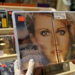 Olivia Newton-John énekli a világ legszexisebb számát