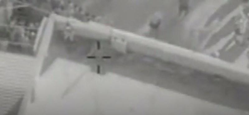Így operálja ki a drón az Iszlám Állam fegyveresét egy rakétával
