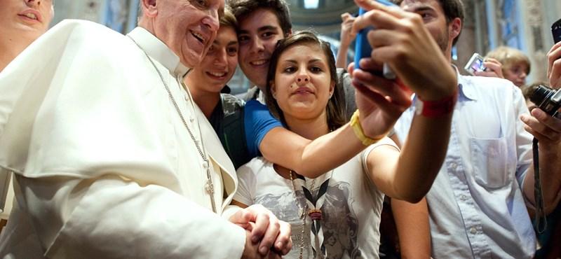 """Ferenc pápa: """"a pénzkirály áll a középpontban"""""""