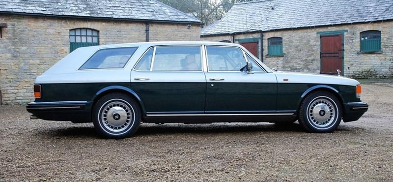 Kombit venne? Mit szólna egy Rolls-Royce-hoz?