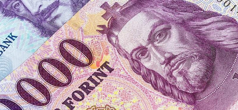 Tovább költekezik a kormány, majdnem 1700 milliárd forint a költségvetési hiány
