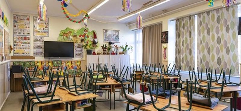 Újabb iskola tanárai üzentek a tanítványaiknak