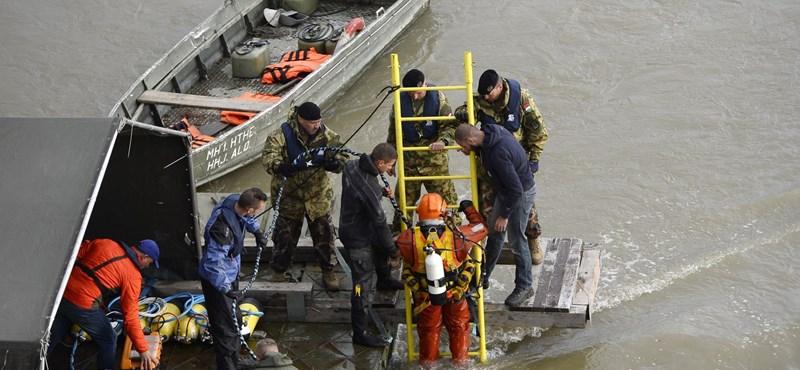 Hajókatasztrófa: Nem értenek egyet a hajó kiemelésével a dél-koreaiak