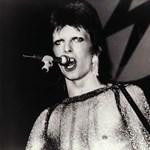 """""""Ma egész máshogy néznek ki a csillagok"""" - David Bowie emlékére"""