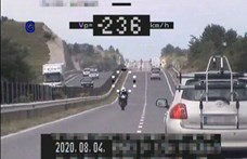 """236-tal ment egy motoros Hajmáskérnél, majd kijelentette """"biztonságosan közlekedett"""""""
