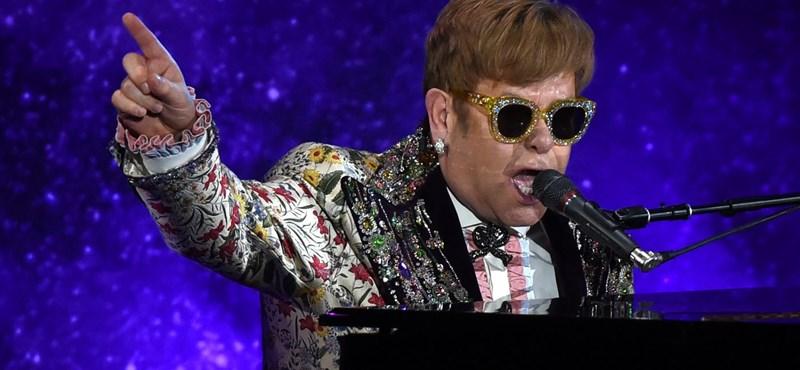 Elton John visszavonul