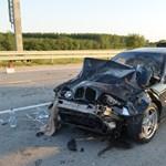 Huszonéves BMW-s okozott halálos balesetet az M0-son