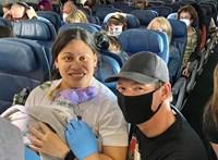 29 hetes terhesen, egy repülőgépen szült egy amerikai nő