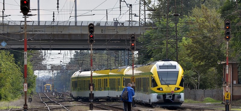 Nincs elég vonat, trükköznie kell a MÁV-nak