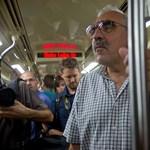 Két-három naponta lerobban utasokkal egy Alstom metró