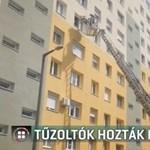 Emelőkosárral vitték le a panelből az infarktusos beteget Szegeden