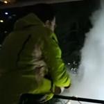 Videó: Így csináltak havat a forró vízből a nagy magyar fagyban
