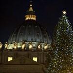 Fotó: 2500 égő világít a Vatikán karácsonyfáján