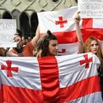 Grúz választás: ünneplő kormánypárt, tiltakozó ellenzék