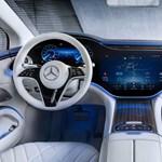 A Teslák utastere is ódivatúnak tűnhet a Mercedes új műszerfala láttán