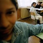 """""""Azzal biztatnak, hogy nem esik bántódásunk"""" - bajban vannak a kisegyházak iskolái"""