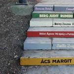46 lépcső, 46 írónő: mostantól különleges úton sétálhattok fel a budai várba