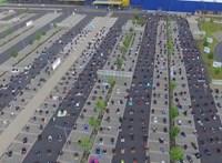 Muszlim imahellyé alakult egy IKEA-parkoló Németországban