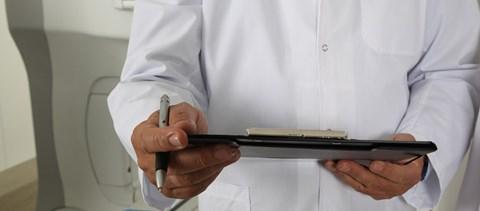 600-700 ezer forintot is kereshetnek a jövőben a kezdő orvosok