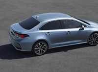 Hivatalos: itt a teljesen új Toyota Corolla szedán