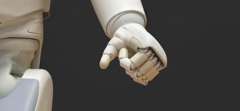 Koronavírus: robotokat vet be Spanyolország, naponta 80 ezer embert fognak tesztelni