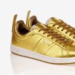 Arany Lacoste cipő, a sárkány évének címezve