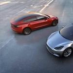 Nyáron jöhet a dupla motoros olcsó Tesla, ami még jobban beleprésel az ülésbe