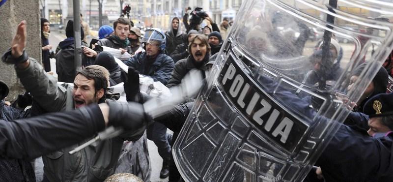 Utcára vonultak az olasz diákok