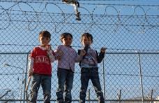 Papokat, gazdákat és nagymamákat is büntettek, mert segítettek a menekülteken