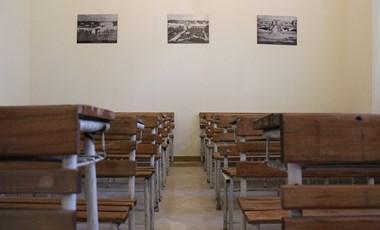 A Penny hirdetőtábláján keresnek iskolát az elkeseredett pécsi családok