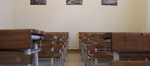 Fenyegetéssel bírták felmondásra, állítja az iskola igazgatója