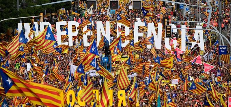 Egy év elmúlt, Katalónia függetlenség helyett fejetlenséget kapott