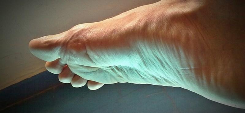 Még a kutatók is meglepődtek: sokan nem tudják megkülönböztetni a lábujjaikat