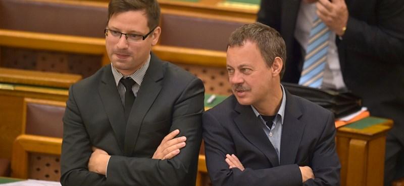 Az Együtt megfogadta Gulyás tanácsát, és saját javaslatot ad be a korrupcióellenes törvényről