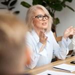 Megfiatalodni vagy megújulni? - A munkahelyi generációs feszültségeket az együttműködés igénye váltja