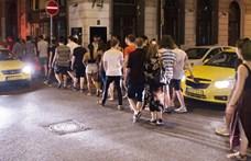 Nagy razzia volt a bulinegyedben, a rendőrség 11 embert állított elő