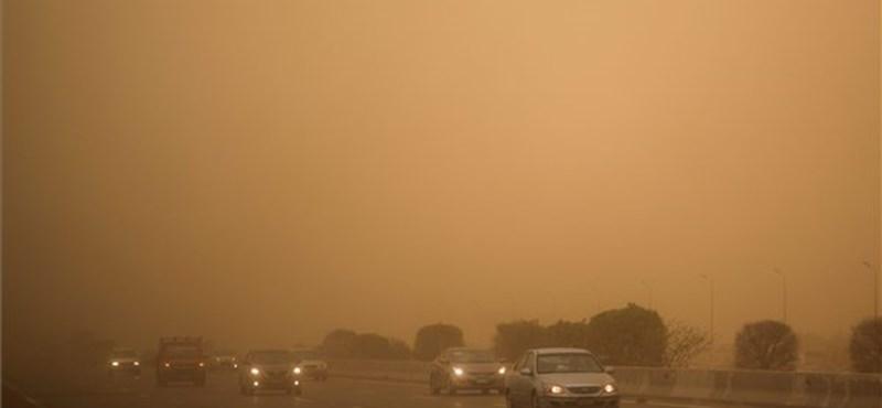 Majdnem 50 fok volt Egyiptomban és homokvihar tombolt - fotó