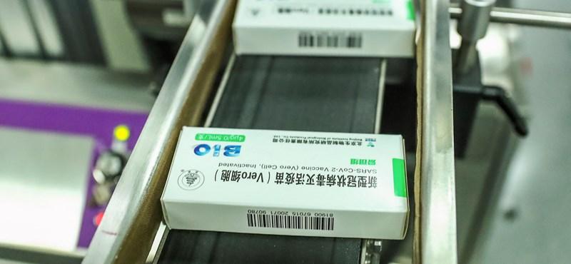 Virológus a kínai vakcináról: Jó lenne, ha látnánk a tényeket!