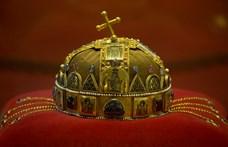 Igazi könyvritkaságot adott ki az Akadémia a Szent Koronáról