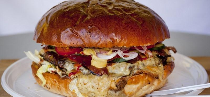 Hamburgerzabálás a Millenárison