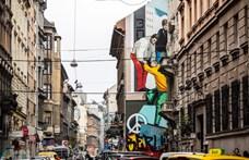 Németország újraegyesítését festették meg egy hetedik kerületi tűzfalra