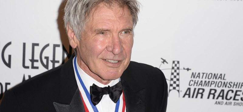 Nem kap büntetést Harrison Ford a veszélyes landolás miatt