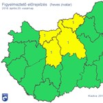 Viharosnak ígérkezik négy megyében a vasárnap, itt a figyelmeztetés