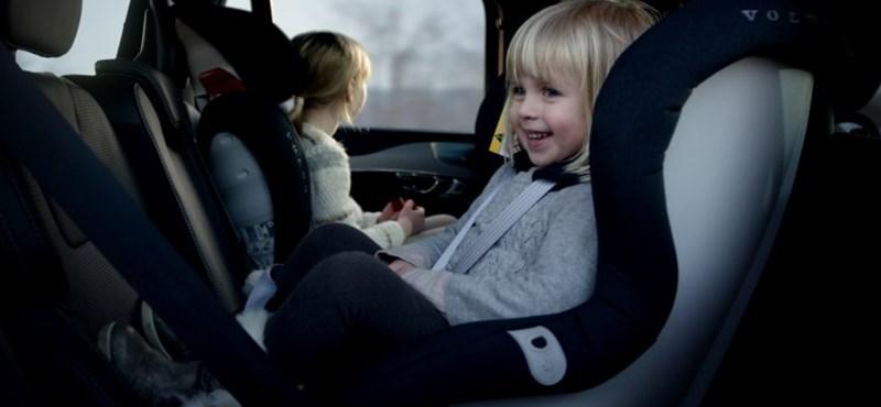 A gyerekeket óvja a Volvo, még biztonságosabb lett a gyerekülésük