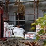 Indul a program, kamatmentes hitelt adnak lepukkant házak felújításához