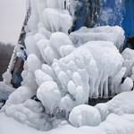 Fotók: Szétrepedt a fagytól a nagykanizsai víztorony