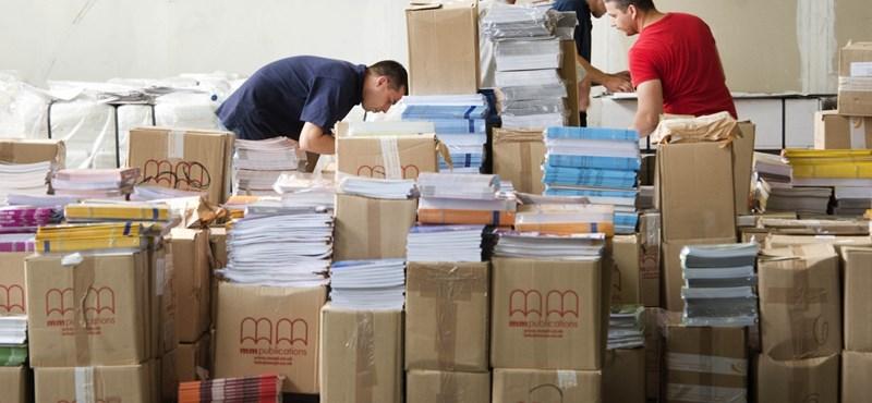 Jön a feketeleves augusztusban: ennyit kell 2014-ben fizetni a tankönyvekért