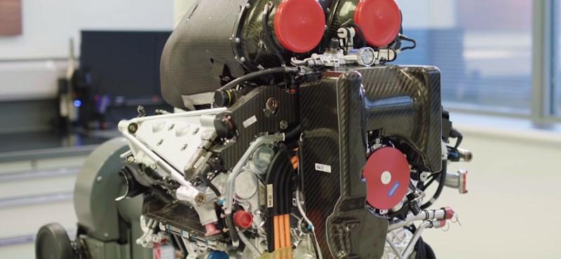 Új rekord: szuperhatékony benzinmotor a Mercedestől
